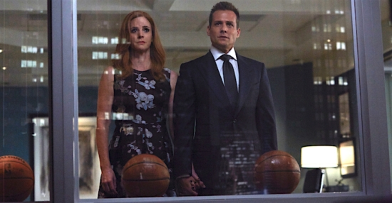 "SUITS -- ""P.S.L."" Episode 610 -- Pictured: (l-r) -- (Photo by: Shane Mahood/USA Network)"